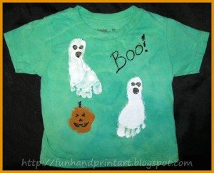 How to make a Footprint Ghost Halloween Shirt {tutorial}