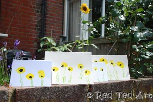 Handprint sunflower crafts fun handprint art i absolutely love this handprint sunflower its so unique and creative be sure to check out their sunflower club and ebook fandeluxe PDF
