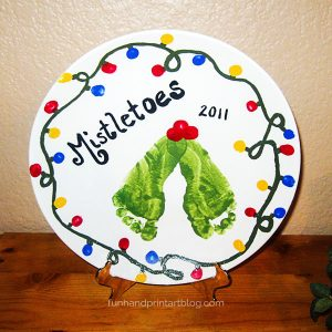 Footprint Mistletoes Christmas Plate Design