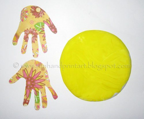 handprint-chick-paper-plate-craft-for-kids