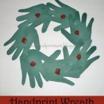 Handprint Christmas Wreath – Preschool Craft