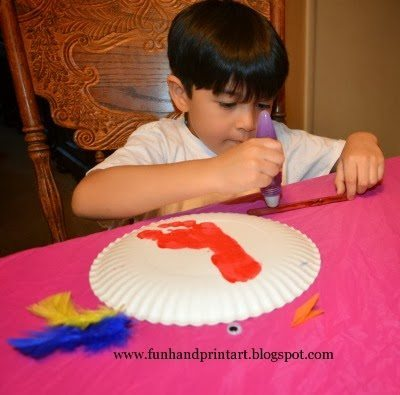 Elmers Early Learners Glue Pen Craft Idea Using Feathers & Paper Plate