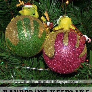 Handprint Glitter Ornament Keepsake Tutorial & Keepsake Idea
