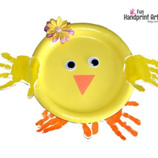 Paper Plate Craft: Handprint Chick | Easter