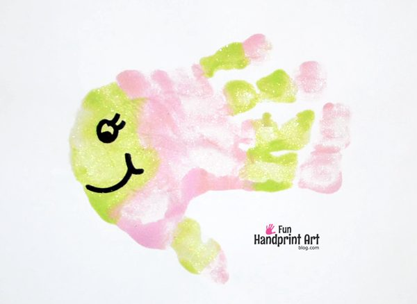 Making Fish Handprints - fun kids craft!