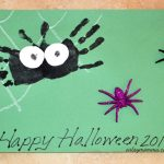 Not-so-scary Handprint Spider Art Project for Preschoolers