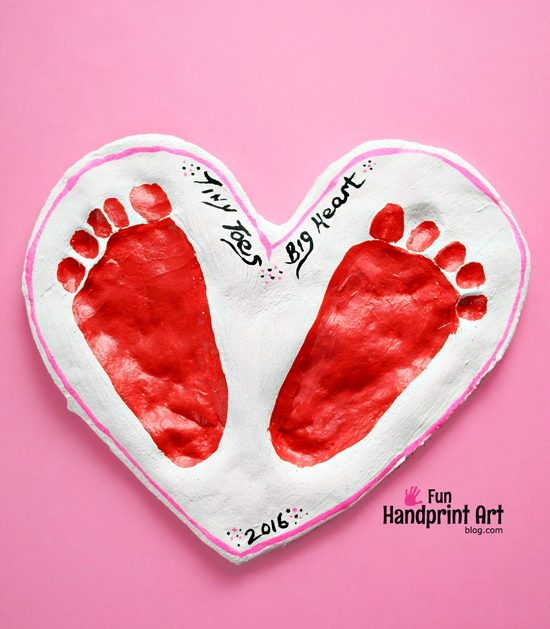 Valentine's Day Salt Dough Keepsake for Baby! Tiny Toes Big Heart Saying