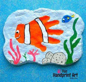 Handprint Nemo Plaque Tutorial - Cute DIY Kids Bedroom Decor!