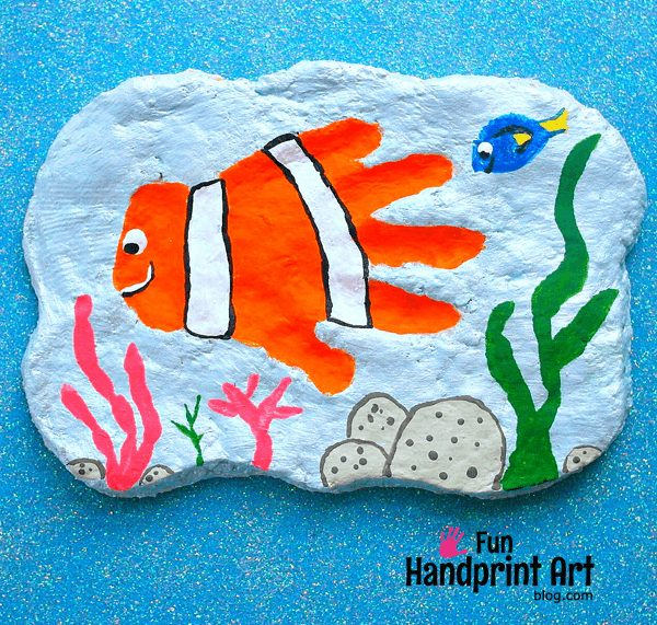 Handprint Nemo Plaque Tutorial - Cute DIY Kids Bedroom Decor!