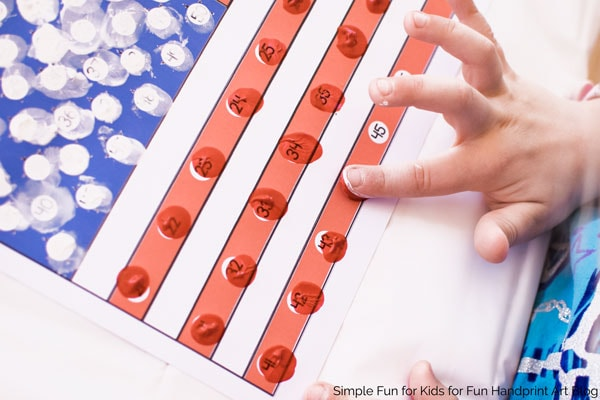 Practice counting up to 50 and 1:1 correspondence with this fun American Flag Fingerprint Counting printable! Perfect for preschoolers and kindergartners and a Memorial Day or 4th of July theme!