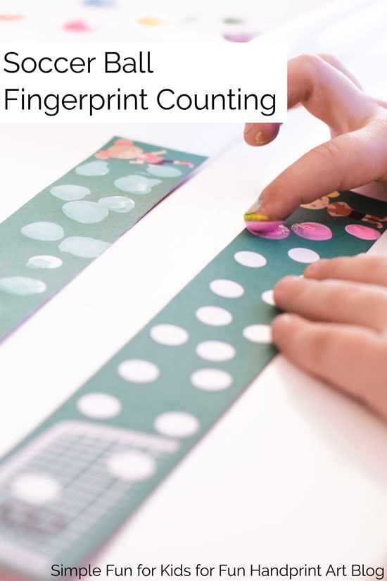 Practice counting 1-20 with this fun soccer themed fingerprint counting printable! Your preschooler or kindergartner is going to love it!