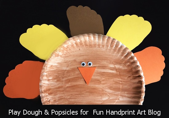 Fun Paper Plate Turkey Craft with Footprint Feathers & Fun Paper Plate Turkey Craft with Footprint Feathers - Fun Handprint Art