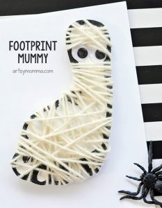 Yarn Wrapped Footprint Mummy Halloween Decoration Craft
