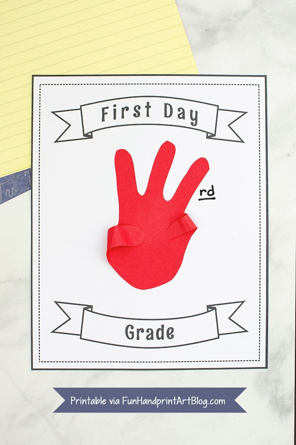 Printable First and Last Day of School Signs with traced hand shape holding up number of fingers for the grade the child is in.